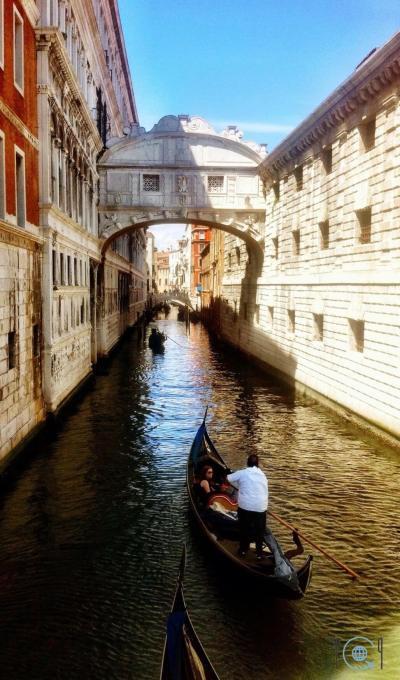 Venice photo gallery Bridge of sighs