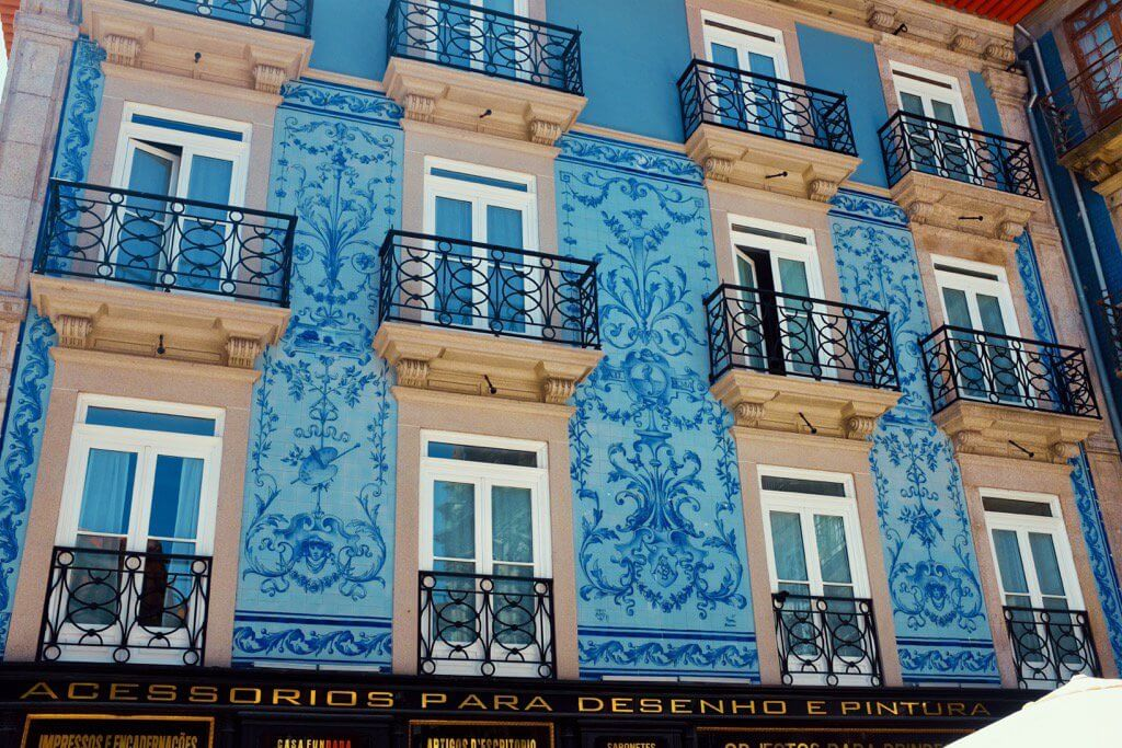 Three days in Porto . The blue facade of a building