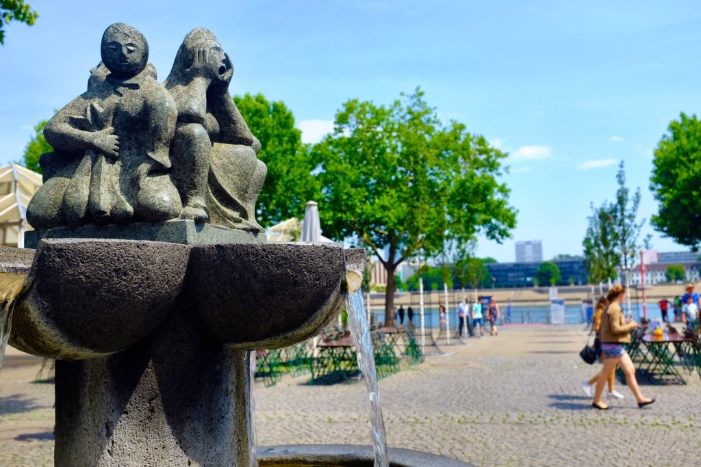 things to do in Cologne in one day Brunnen der Fischweiber and Rhein