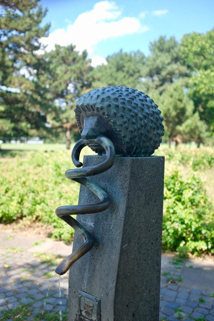 statue Rheinpark hedgehog snake Cologne Gallery Trip Gourmets