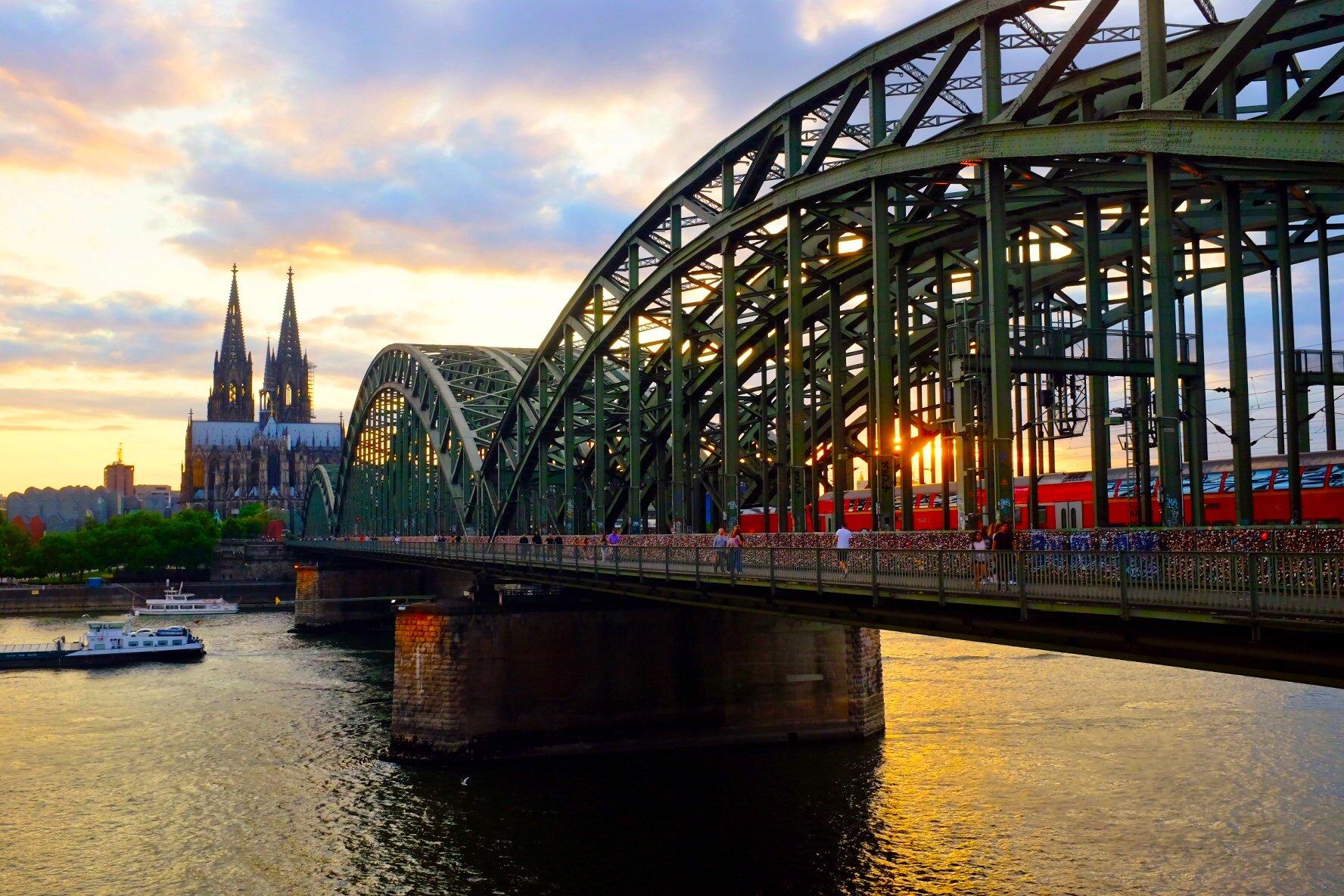 sunset Hohenzollern bridge Köln Cologne Gallery Trip Gourmets