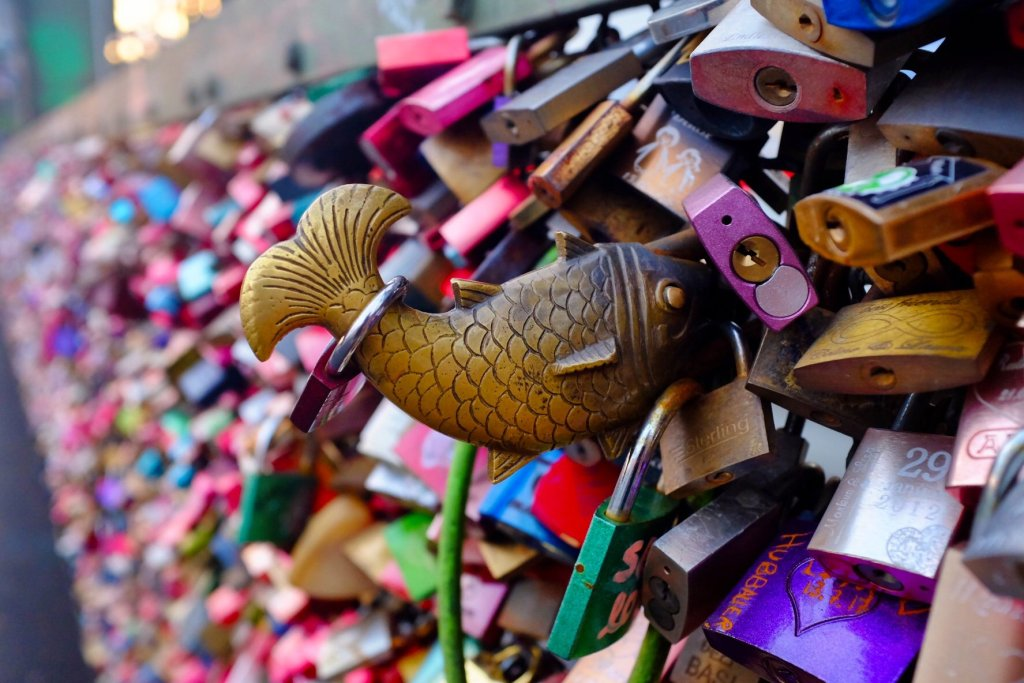 things to do in Cologne in one day love lock fish