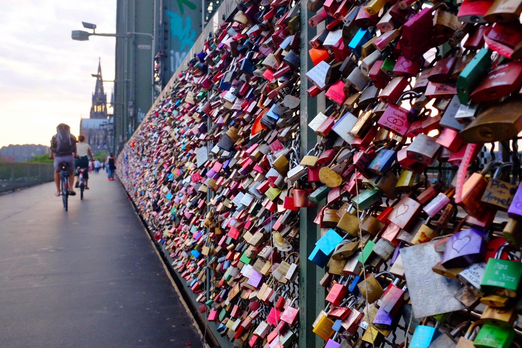 locks lovelocks Hohenzollern bridge Köln  Cologne Gallery Trip Gourmets