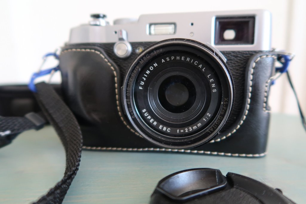 Fujifilm Finepix X100T best cameras for travel photography