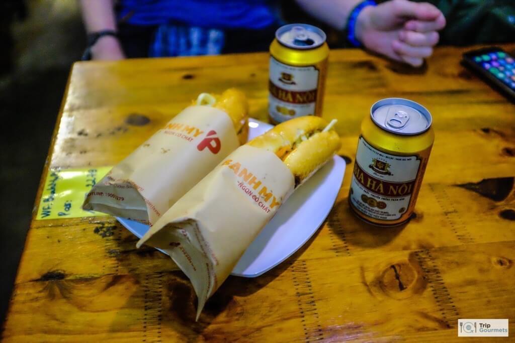 Food in Hanoi Old Quarter streetfood banh mi p