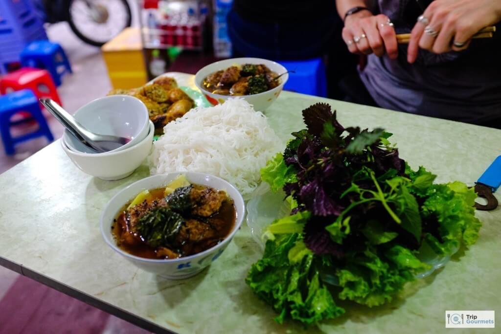 Food in Hanoi Old Quarter bun cha streetfood noodles greens
