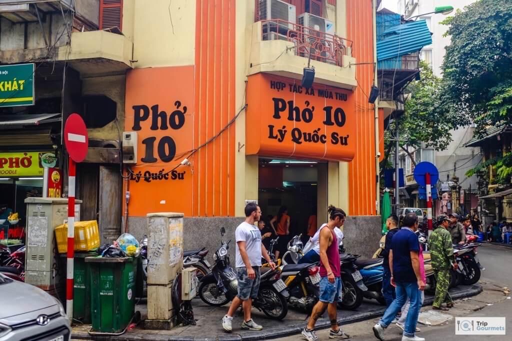Food in Hanoi Old Quarter pho 10 restaurant