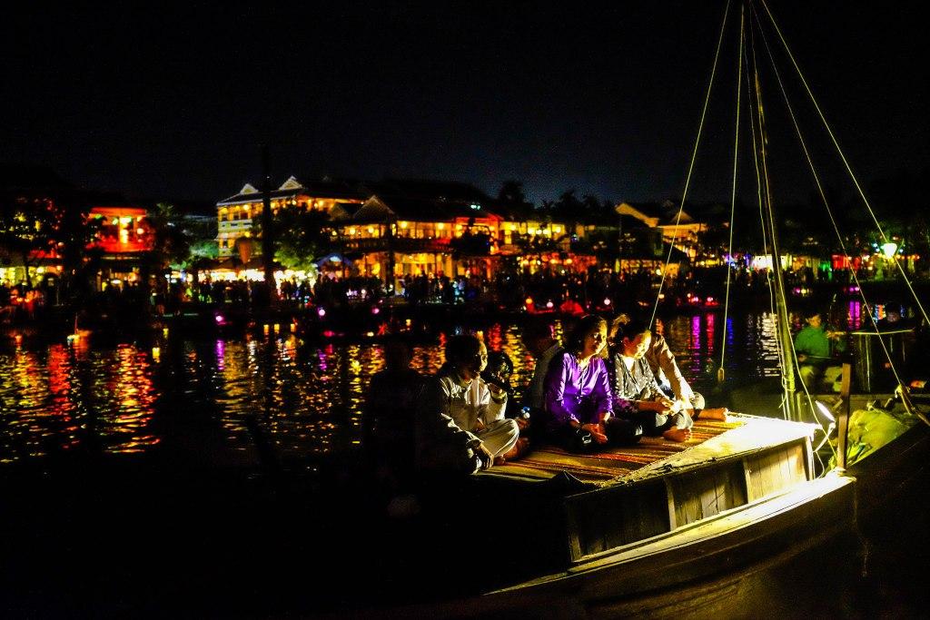 Hoi An Lantern Festival singer singing boat night