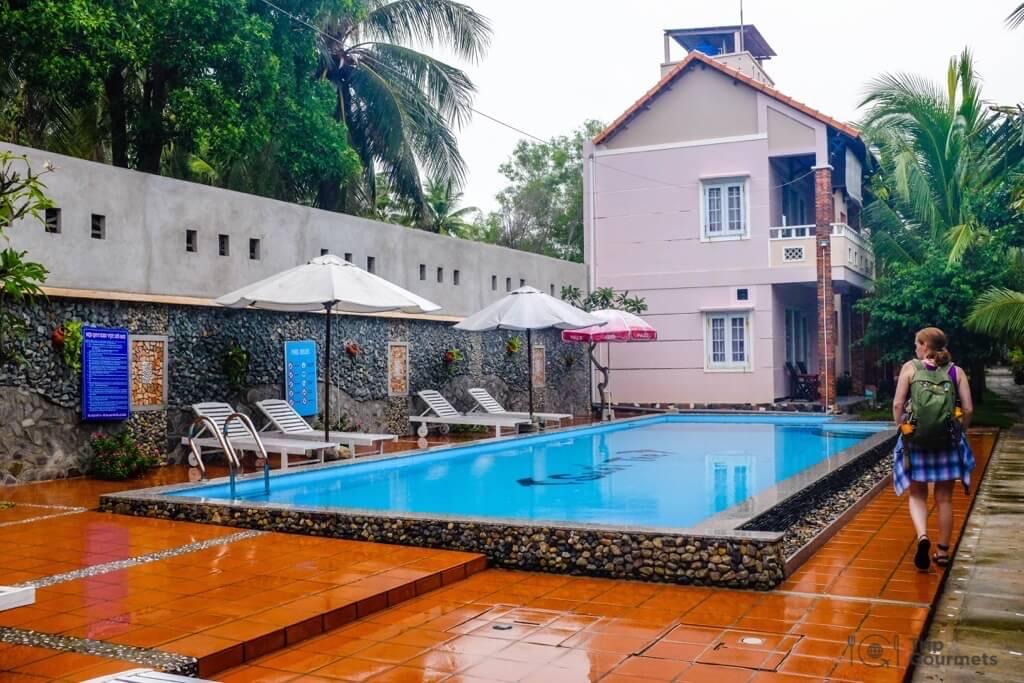 Things to do in Mui Ne Muine swimming pool suoi tre