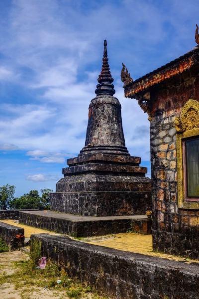 Things to do in Kampot Sampov Pram Pagoda temple cambodia