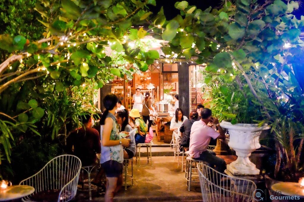 Best Markets in Bangkok JJ Green romantic restaurant night lights