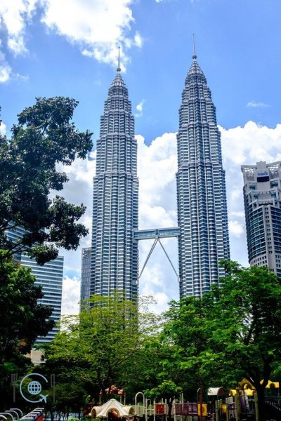 Kuala Lumpur Itinerary Petronas Towers from Ground