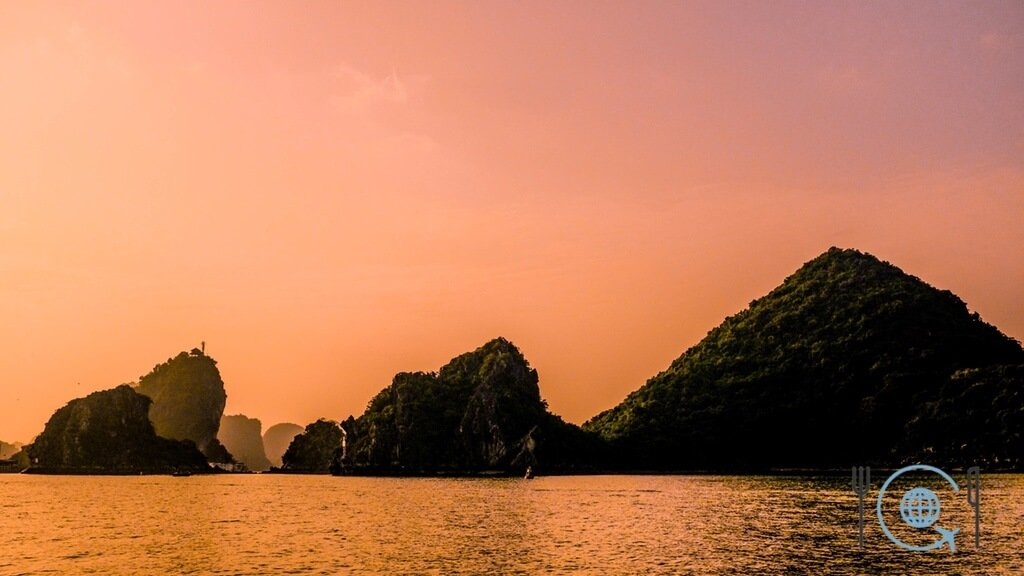 Vietnam 3 week itinerary Halong Bay sunset