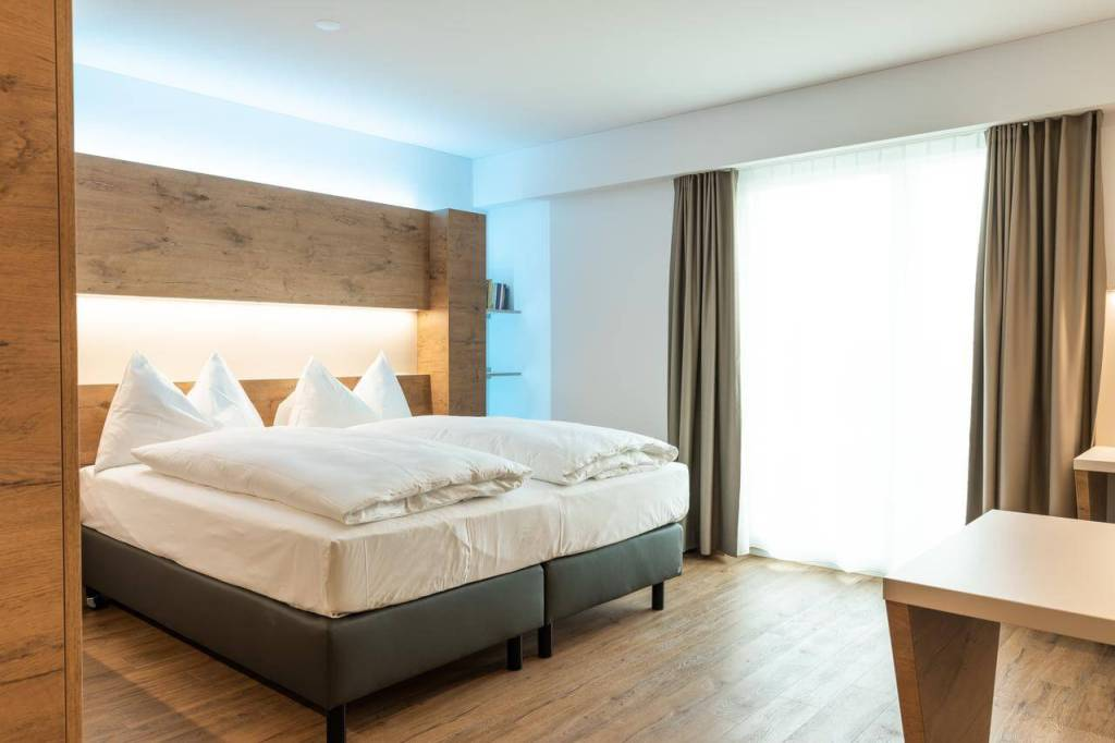 Best places to stay in zurich jet hotel