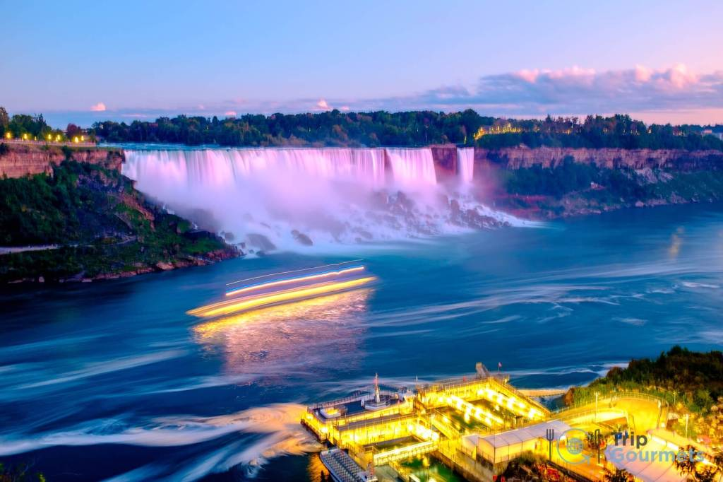 Things to do in Niagara Falls for couples - Illuminated Falls 2