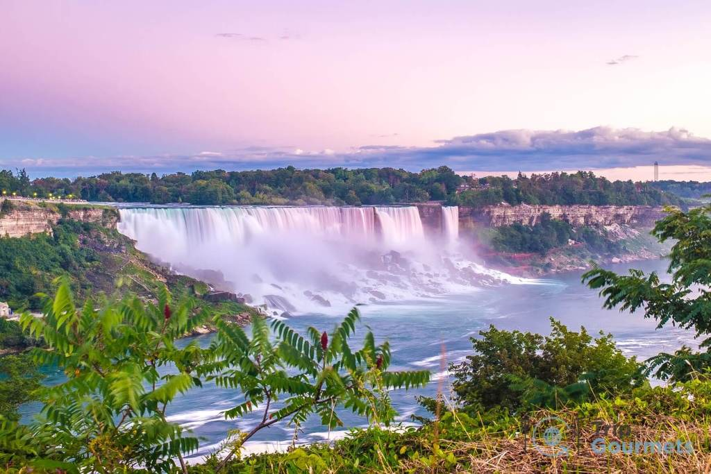Things to do in Niagara Falls for couples - featured image