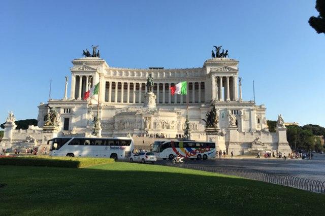 Monumento a Victorio Manuel II Roma Italia