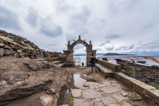 Arco de entrada a Isla Taquile