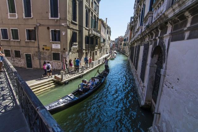 canales desde el puente Venecia