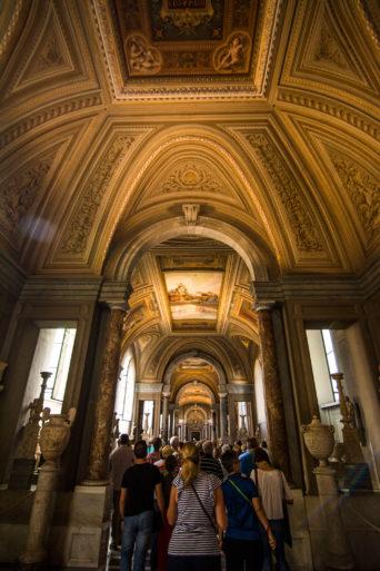 Galería del Candelabro Museos Vaticanos
