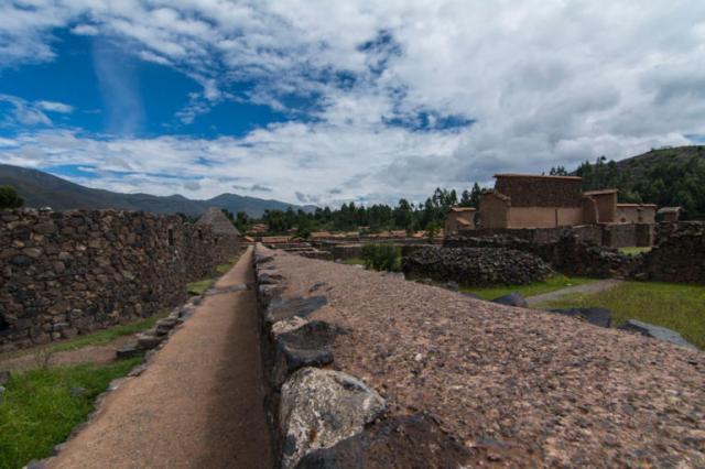 Restos de las viviendas de Raqchi