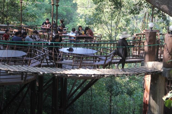 チェンマイの地元の方々に大人気の秘境カフェ!The Giant Chiangmai(ジャイアントチェンマイ)