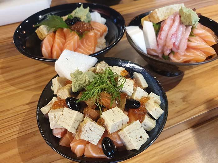 富春食堂-鮭魚生魚片