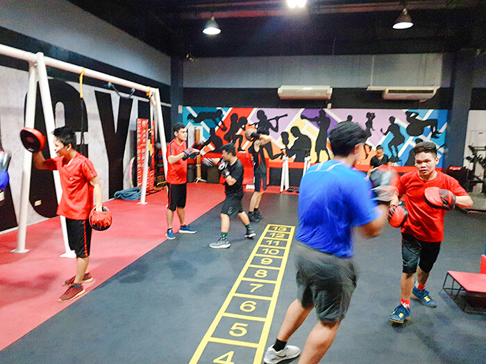 宿霧下課後生活, 運動健身, 打拳訓練, 暖身健身