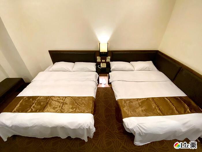 雙人床,四人床