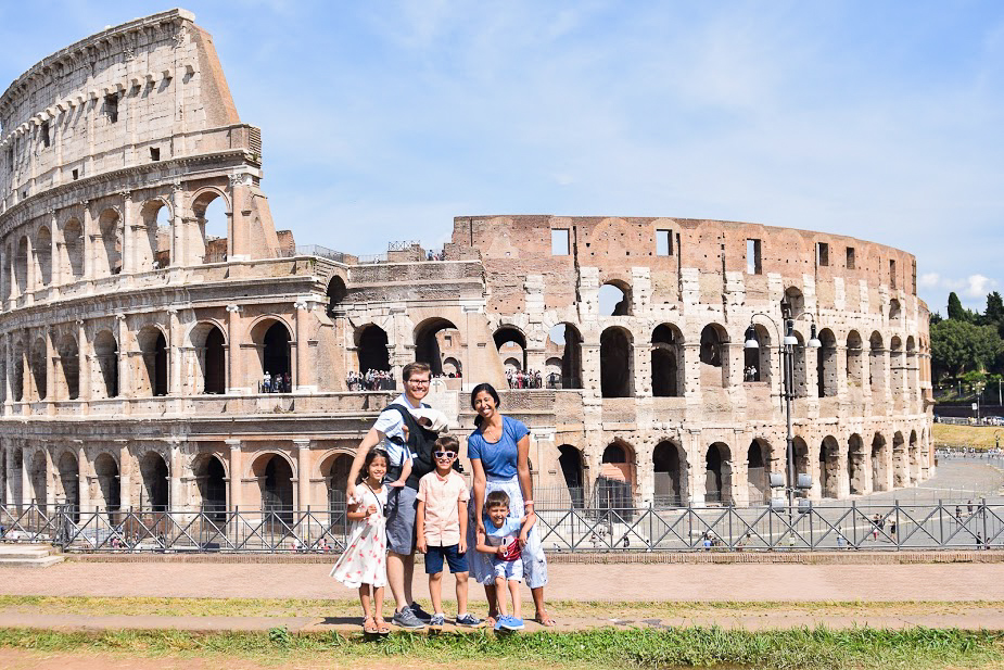 taking photos with kids at colosseum