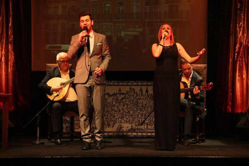 two singers sing fado in chiado show