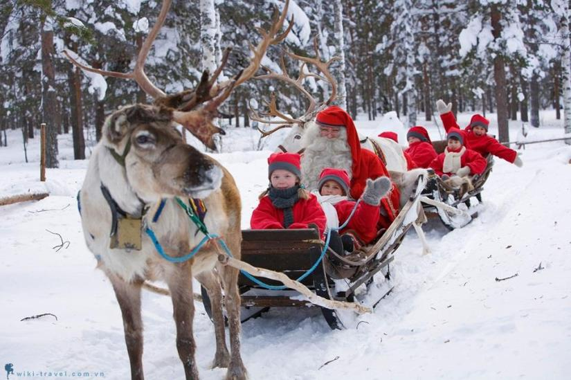 kids have fun in Lapland