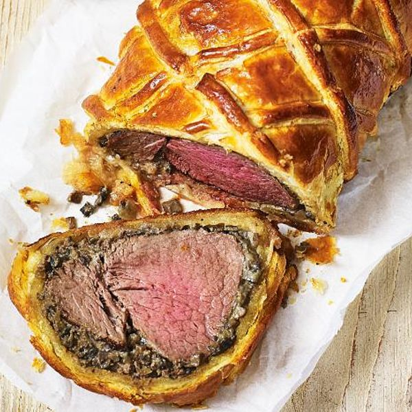 traditional food called beef wellington