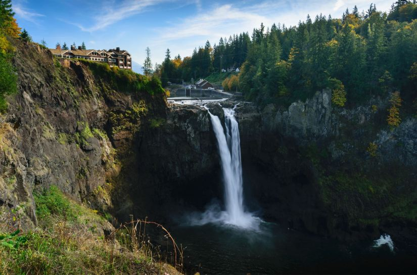 Snoqualmie falls in washington state