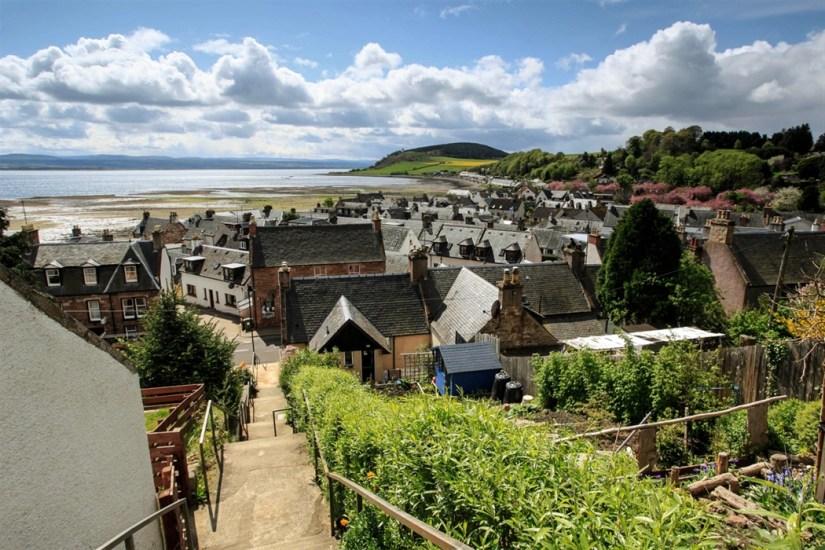 a quaint village in back Isle