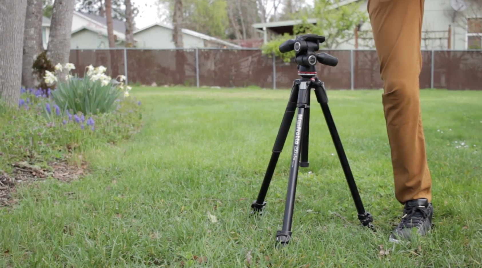 Top 10 Best Tripod Brands For Photographers & Videographers | TP