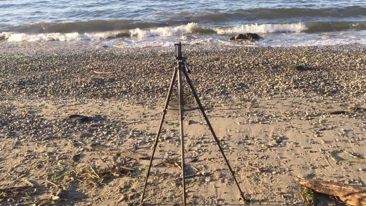"Ravelli APLT4 61"" Light Weight Tripod smartphone adapter"