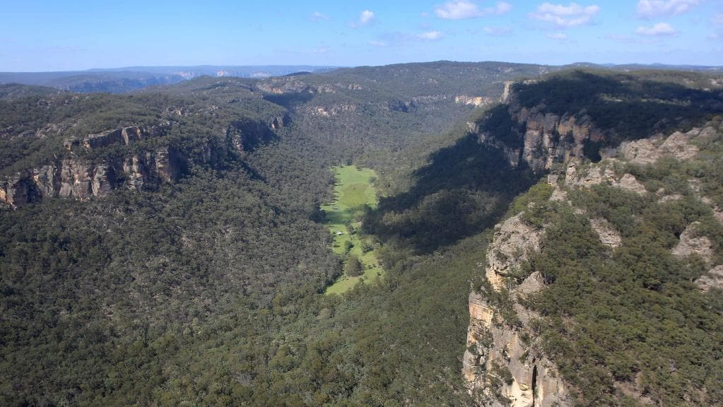 Capertee Valley, Australia largest canyon in the world