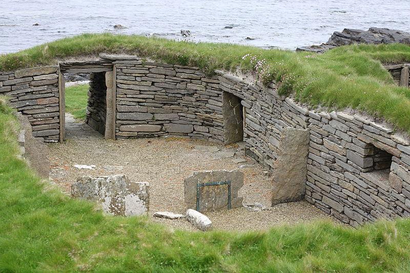KNAP OF HOWAR: 3700 BC: Oldest Buildings In The World