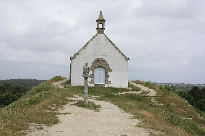 TUMULUS SAINT-MICHEL: 4500 BC: Oldest Buildings In The World