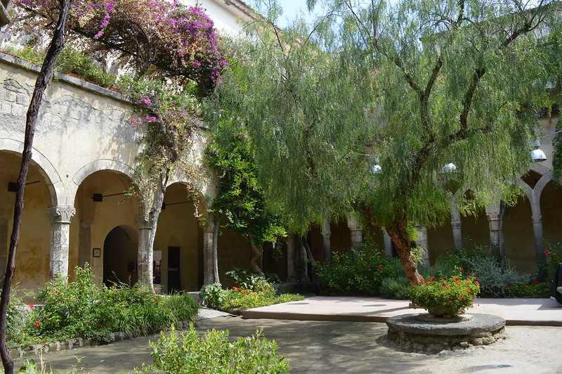 Things to See in Sorrento: Cloister of San Francesco