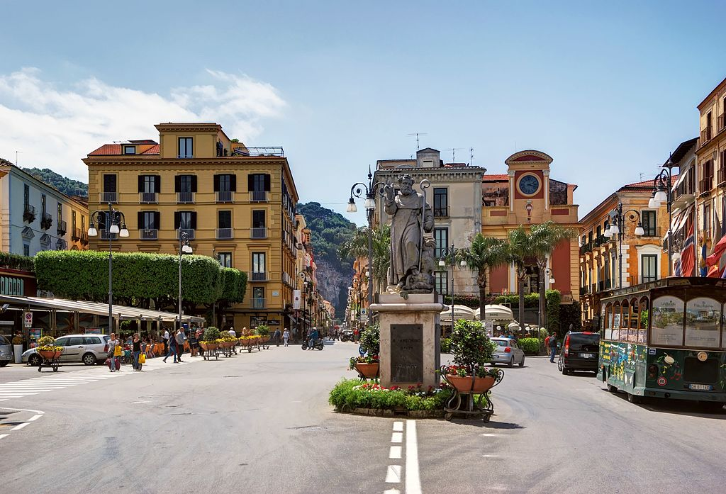 Things to See in Sorrento: Sorrento Tasso Square