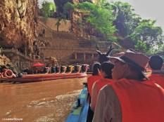 Imbarcazione nella grotta delle rondini, Jianshui. Cabiria Magni