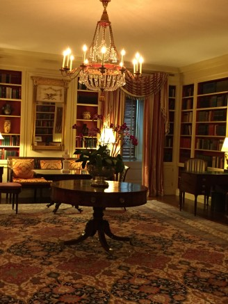 """The furnings are from the Federalist period (1800-1820). The chandelier was made around 1800, belonged to the family of the author of """"Last of the Mohicans"""". The paneling dates back from former President Truman's renovation (1948-52)."""