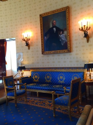 The portrait of former President John Tyler (10th president of US) hangs above the Monroe sofa. The upholstery and decor of the room reflect the last renovation that was completed during the Clinton presidency in 1995.