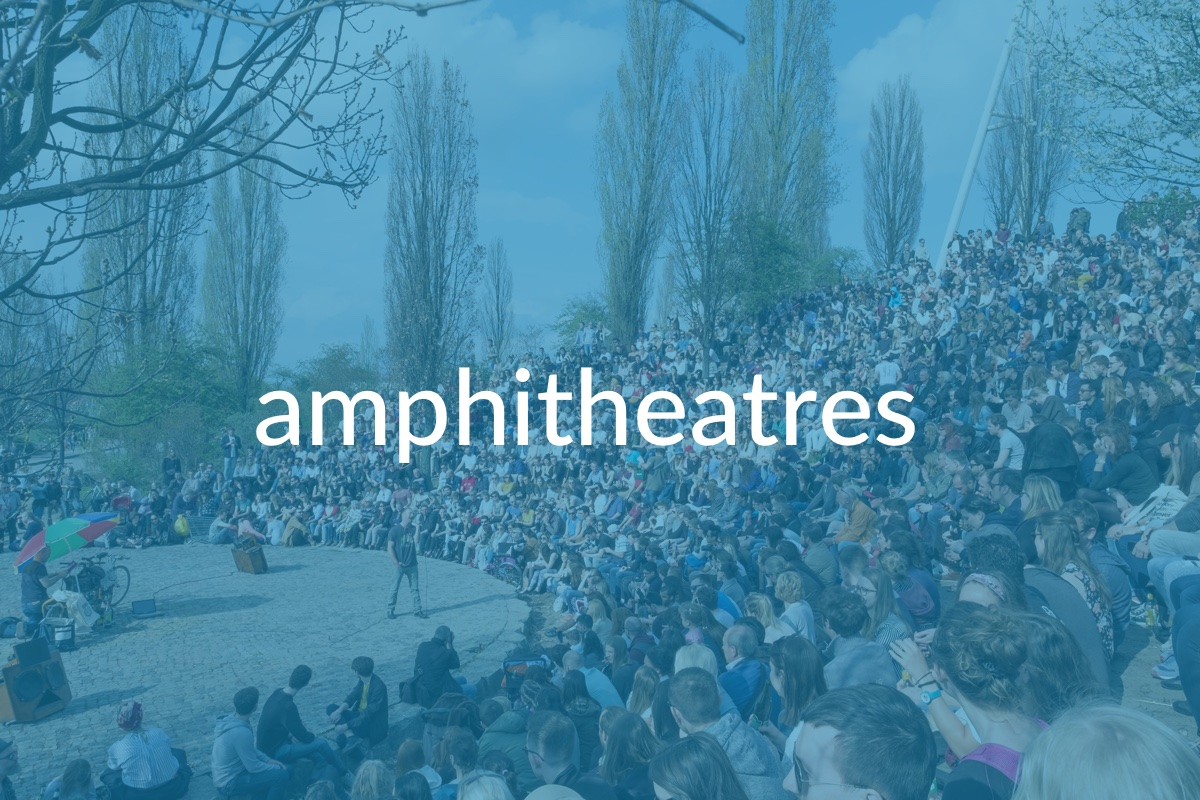 hotels nearby amphitheatres