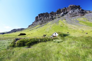 البيوت الآيسلندية العشبية القديمة
