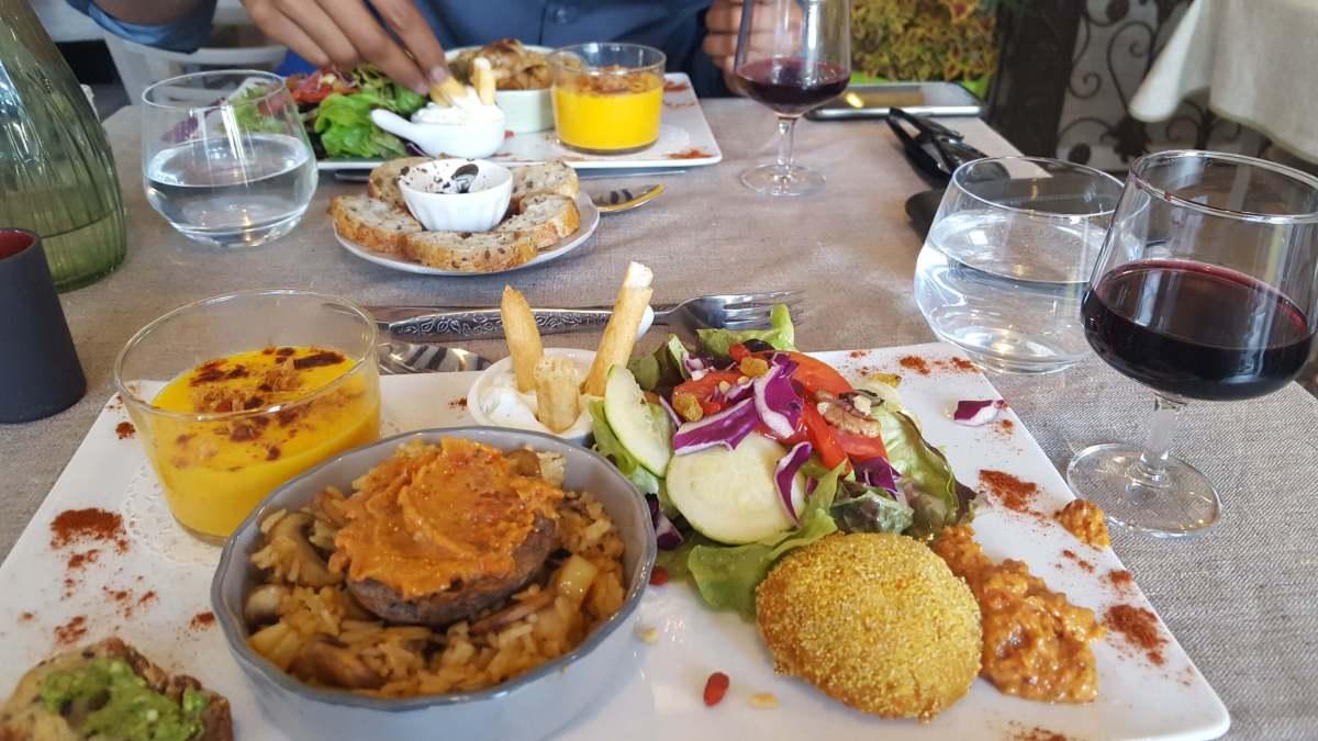 vegetarian travel - DeliciousVegetarianMealinToursFrance.jpg