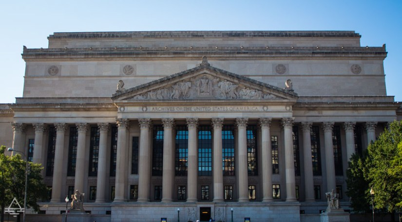Washington DC- Front of the National Archives