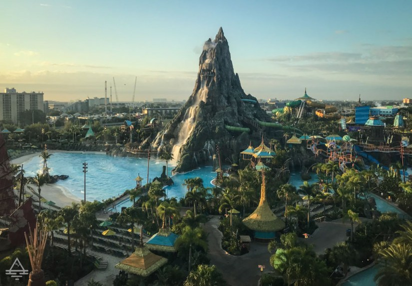 Cabana Bay Volcano View Room - Volcano Bay Wave Pool and Volcano